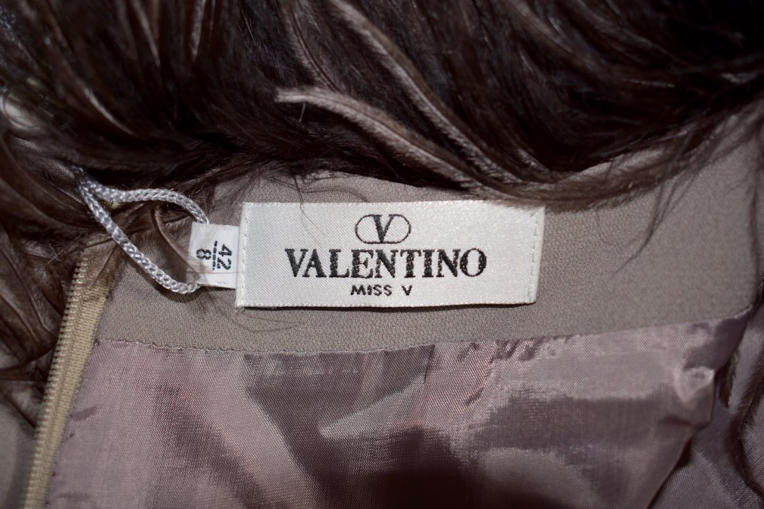 Valentino Miss V Never Worn Taupe Ostrich Faux Feather - 8