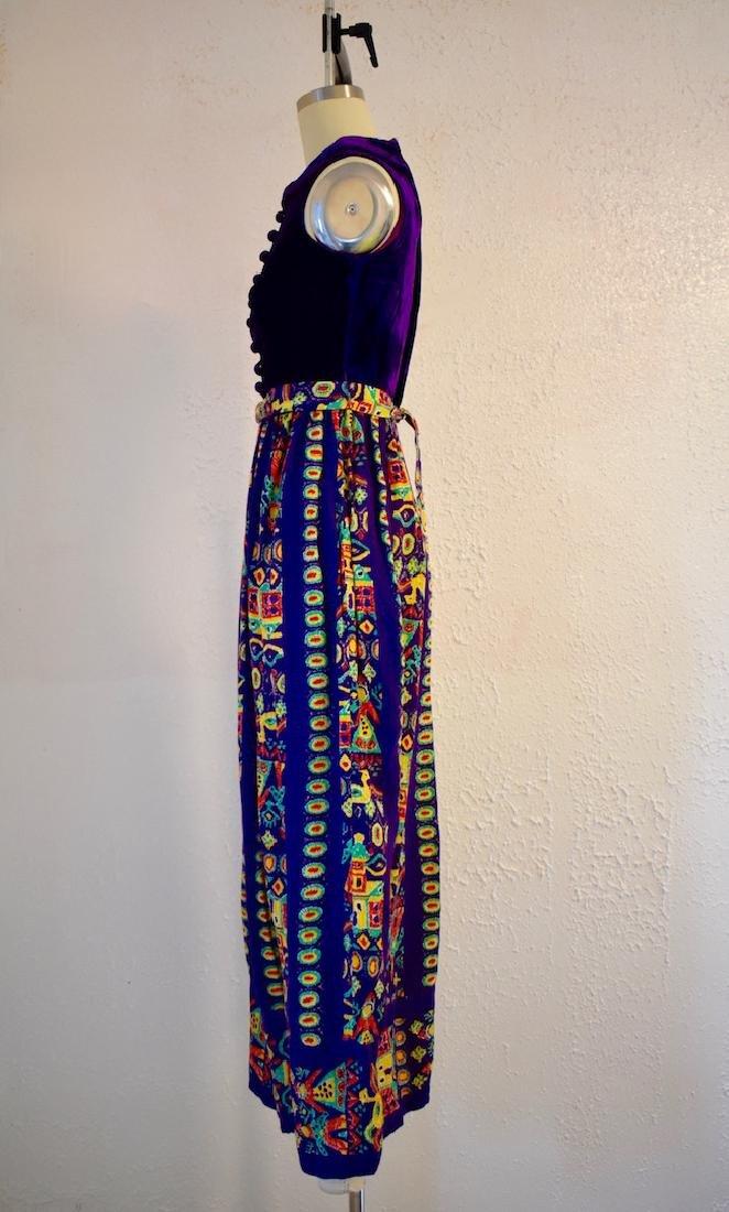 Vintage 1970s Purple Velvet Sleeveless Pattern Dress - 3