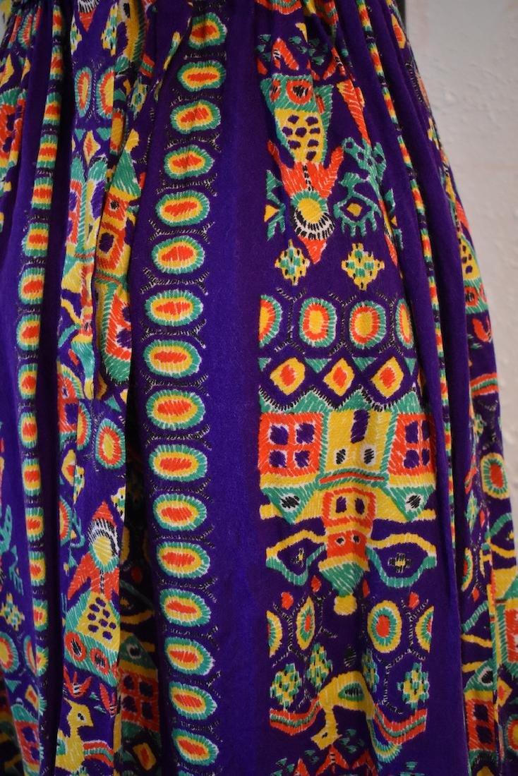 Vintage 1970s Purple Velvet Sleeveless Pattern Dress - 4
