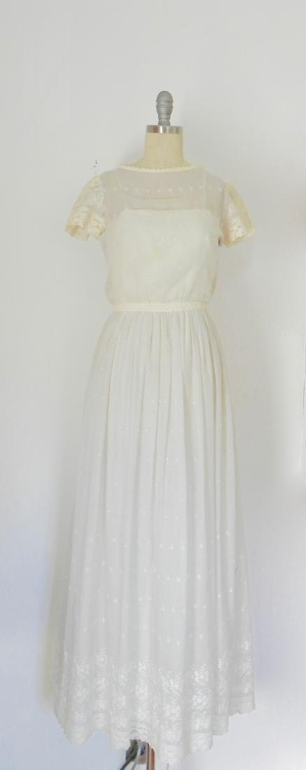 Vintage 1970s Neiman Marcus White Ivory Lace Cotton