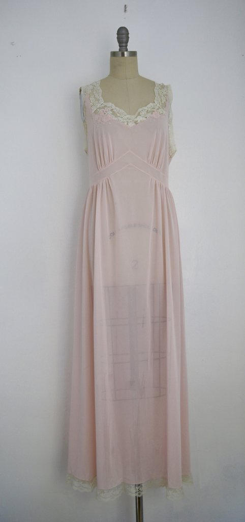 Vintage 1950s Saks Fifth Avenue Lace Pink Nightgown