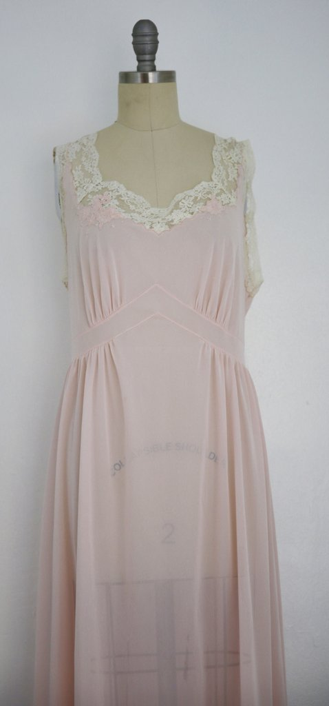 Vintage 1950s Saks Fifth Avenue Lace Pink Nightgown - 2