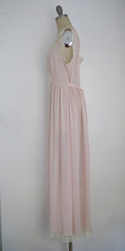 Vintage 1950s Saks Fifth Avenue Lace Pink Nightgown - 3