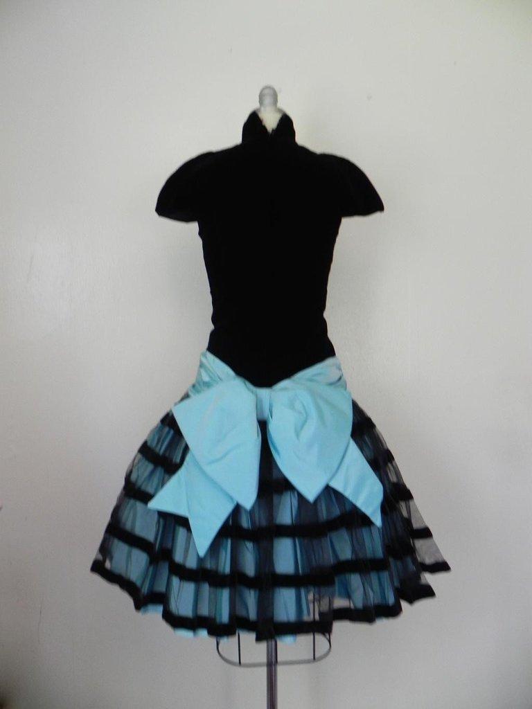Vintage 1980s Victor Costa Velvet Black/Baby Blue Dress - 6