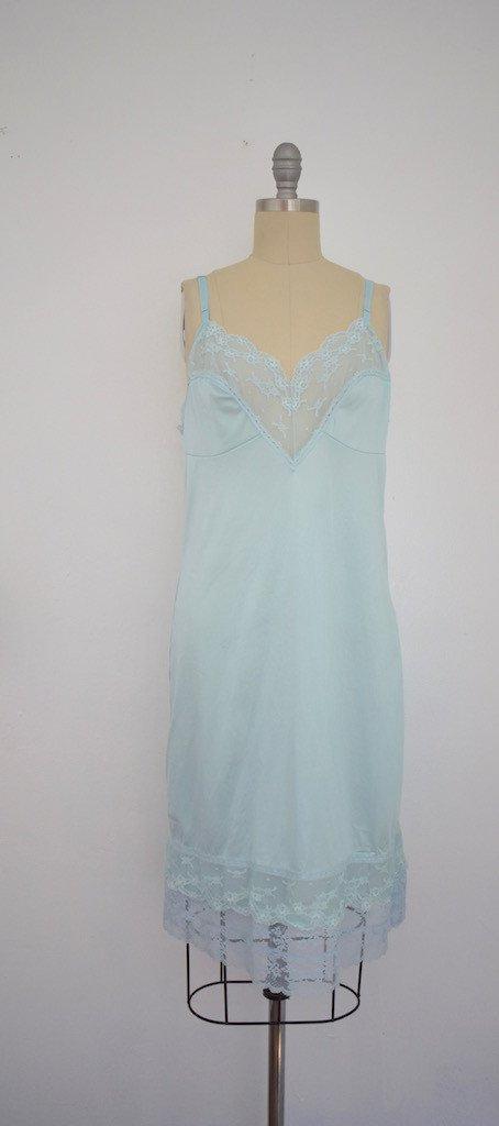 Lot of 6 1960s Baby Blue/ Light Green Nightgowns - 3