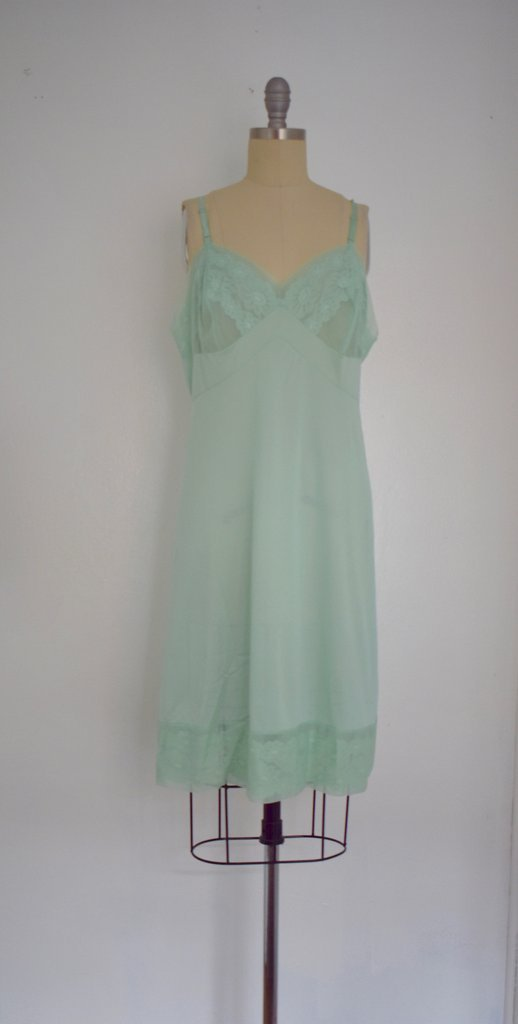 Lot of 6 1960s Baby Blue/ Light Green Nightgowns - 7