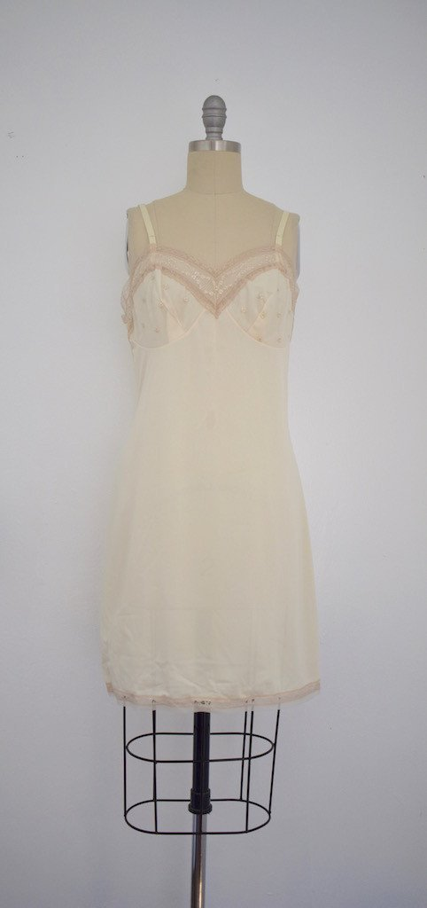 Lot of 8 Pink/Beige/White 50s-70s Nightgowns - 2