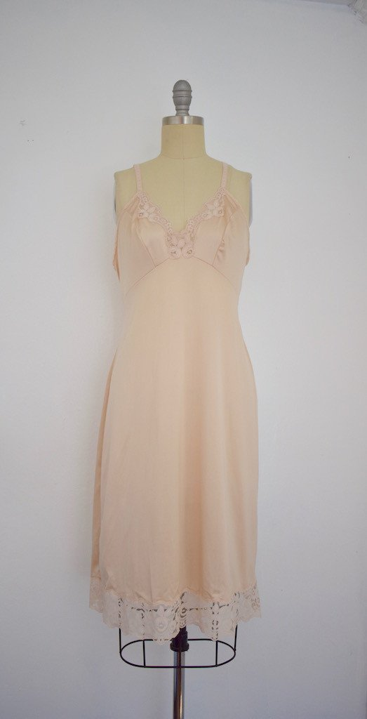 Lot of 8 Pink/Beige/White 50s-70s Nightgowns - 3