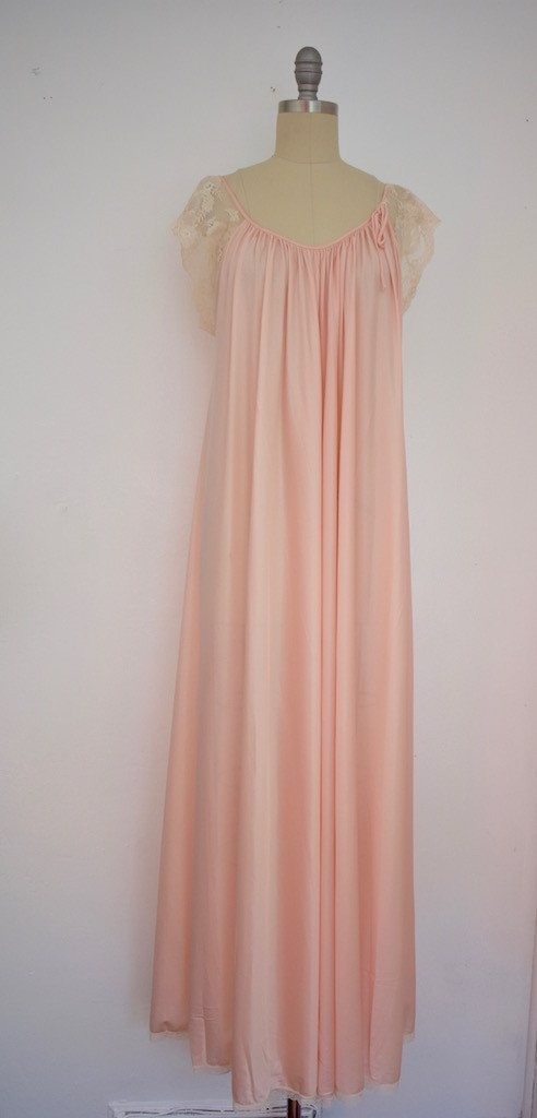 Lot of 8 Pink/Beige/White 50s-70s Nightgowns - 5