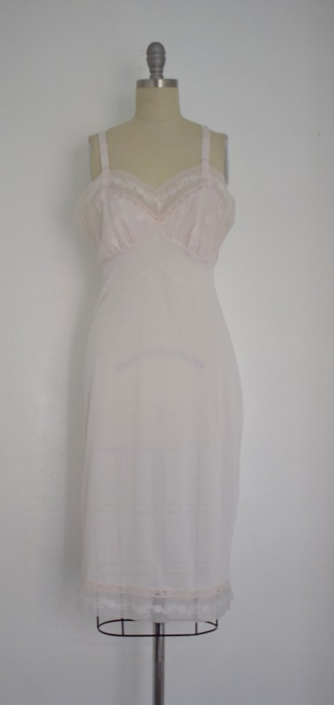 Lot of 8 Pink/Beige/White 50s-70s Nightgowns - 6