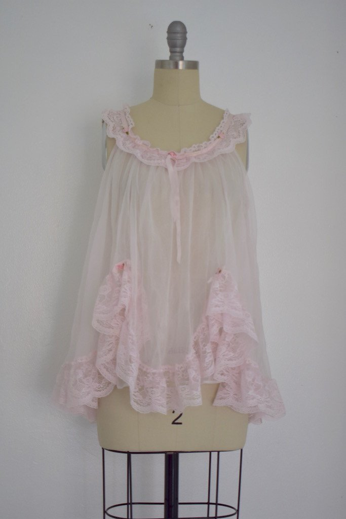 Lot of 8 Pink/Beige/White 50s-70s Nightgowns - 7