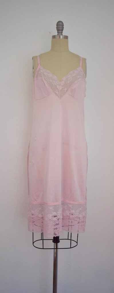 Lot of 8 Pink/Beige/White 50s-70s Nightgowns - 9