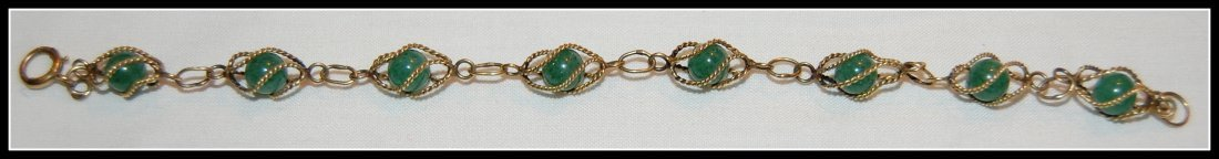 9 KT Gold Bracelet with Jade Beads
