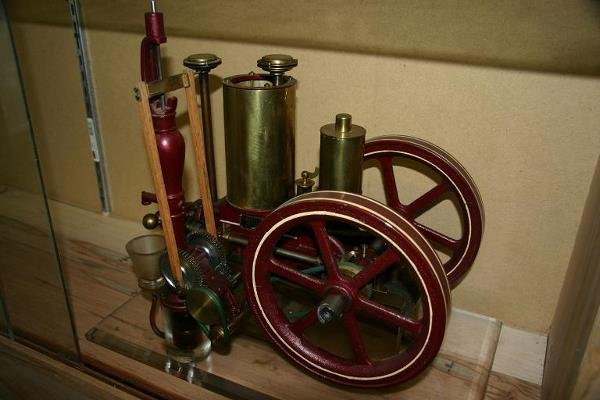 14: CANFIELD SCALE MODEL ENGINE