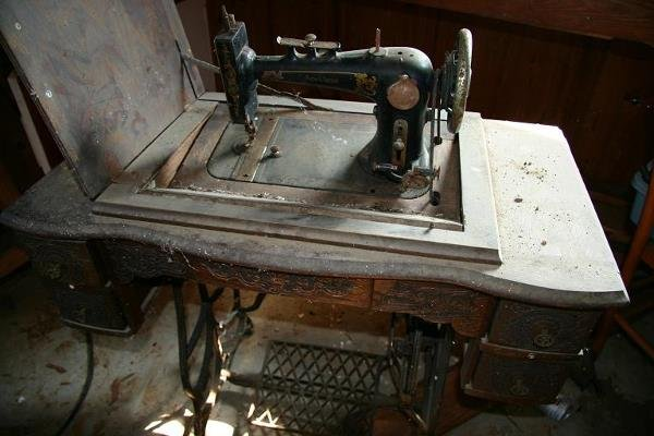 17: SPOTLESS TREADLE SEWING MACHINE