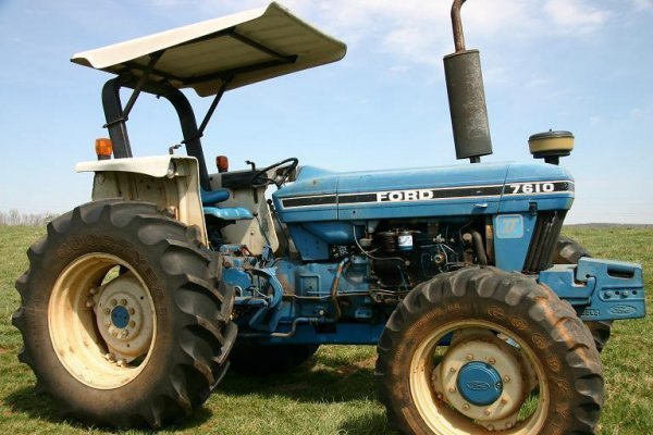 2: FORD  7610 TRACTOR, 4WD