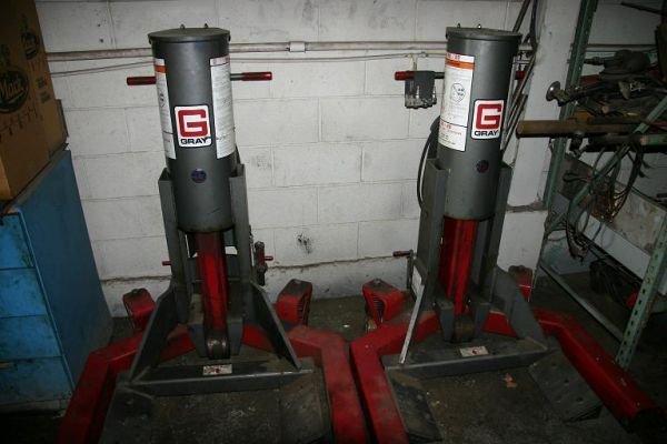 128: Gray WL-20 Wheel Lift System - twin jacks