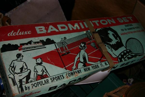 137: Vintage Badminton Game Set