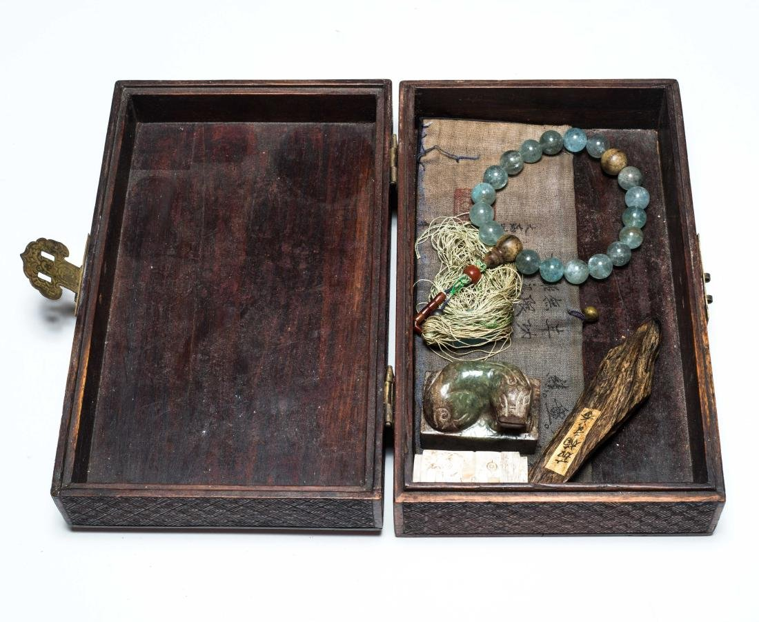 A Box Of Antique Jades And Prayer Beads - 10