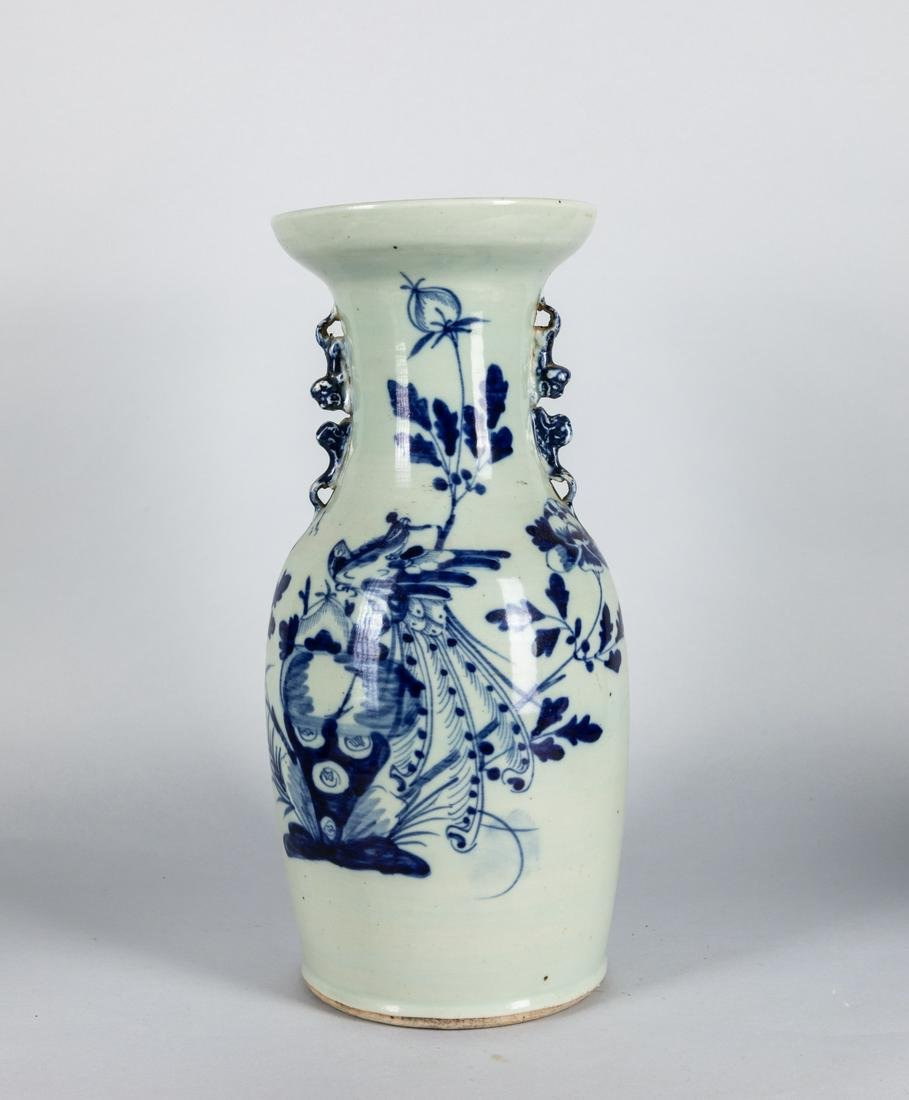 19th Chinese Antique Blue White Porcelain Vase