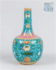 Important 19th Chinese Enameled porcelain Vase