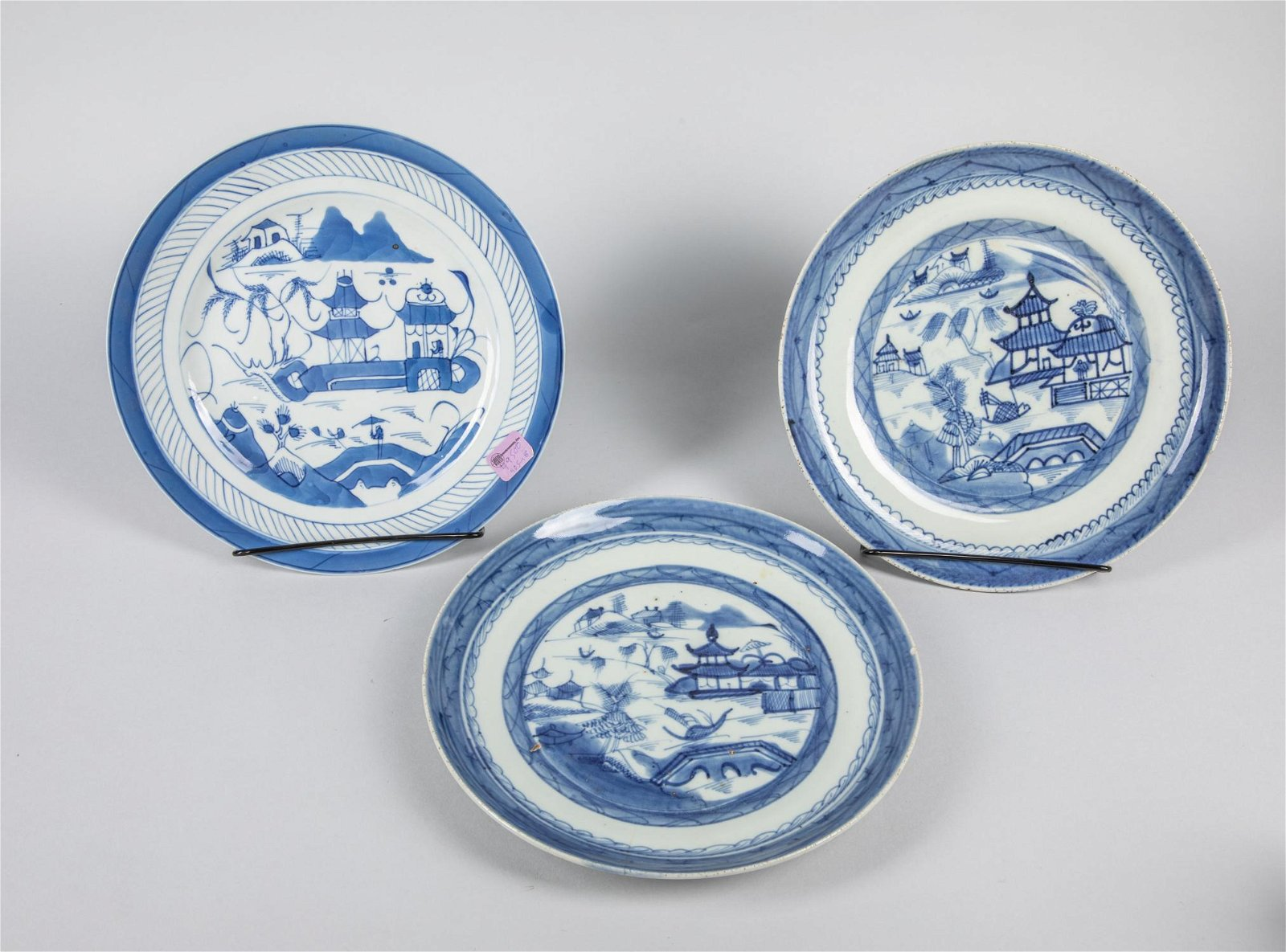 Set of Chinese Export B/W Porcelain Plate