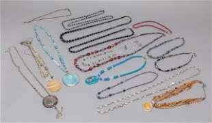 Set Custom Jewelry of Gem Stone Shell Necklace