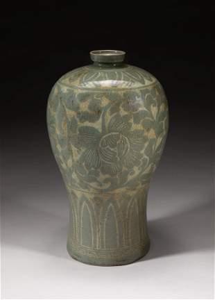 Korean Buncheong Slip-Inlaid Porcelain Vase