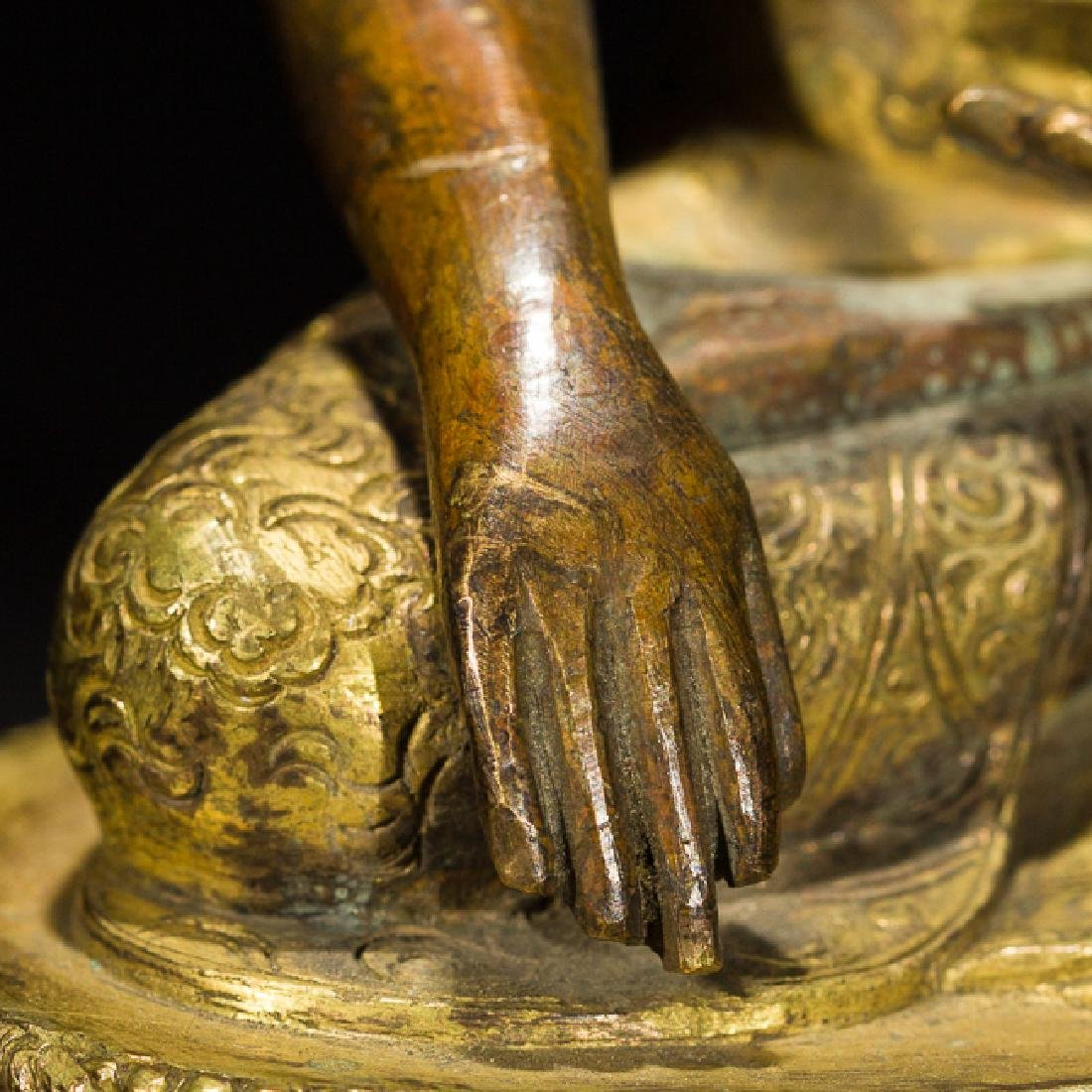 Antique Gilt Bronze Figure of Shakyamuni Buddha, 18th - 10