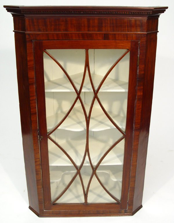 23: Victorian mahogany hanging corner cabinet with dent