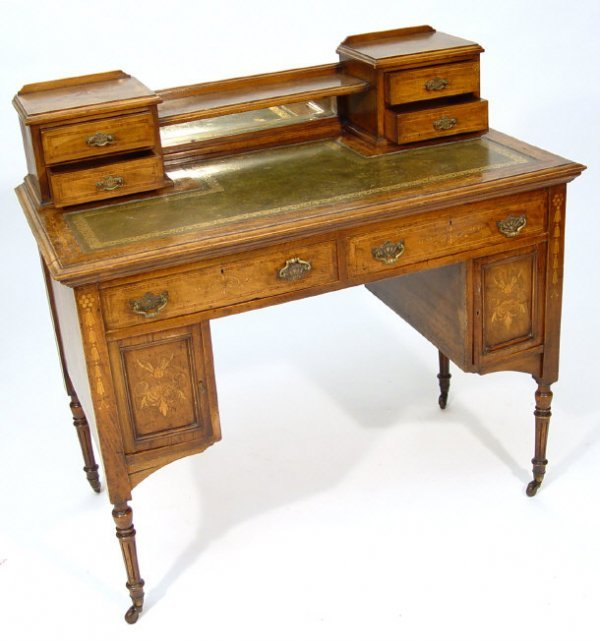 11: 19th Century walnut bonheur du jour, the crossbande