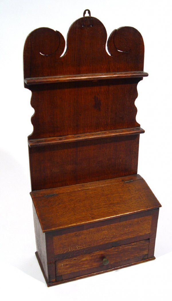 19: 18th Century oak smoker's rack, fitted with two pip