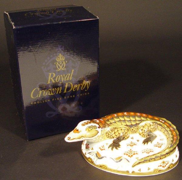 1104: Royal Crown Derby crocodile paperweight, exclusiv