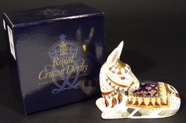 1118: Royal Crown Derby donkey paperweight, limited edi
