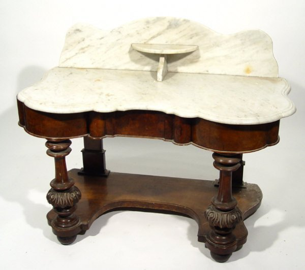 15: Victorian marble topped walnut washstand fitted wit