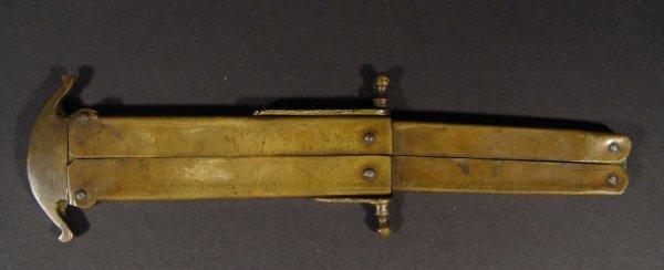 732: Military brass folding trench knife, 17cm in lengt - 2