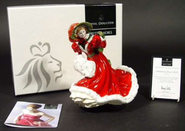 1218: Royal Doulton figurine 'Christmas Day 2005 HN4723