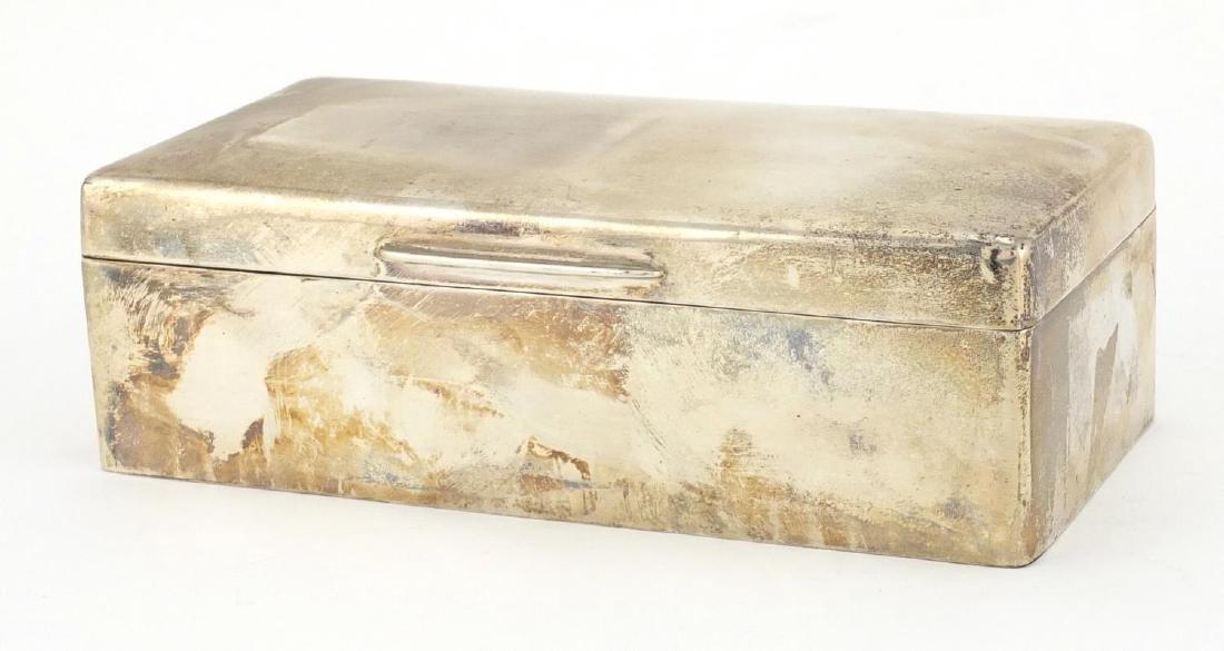 Rectangular silver cigar box, Mappin & Webb London
