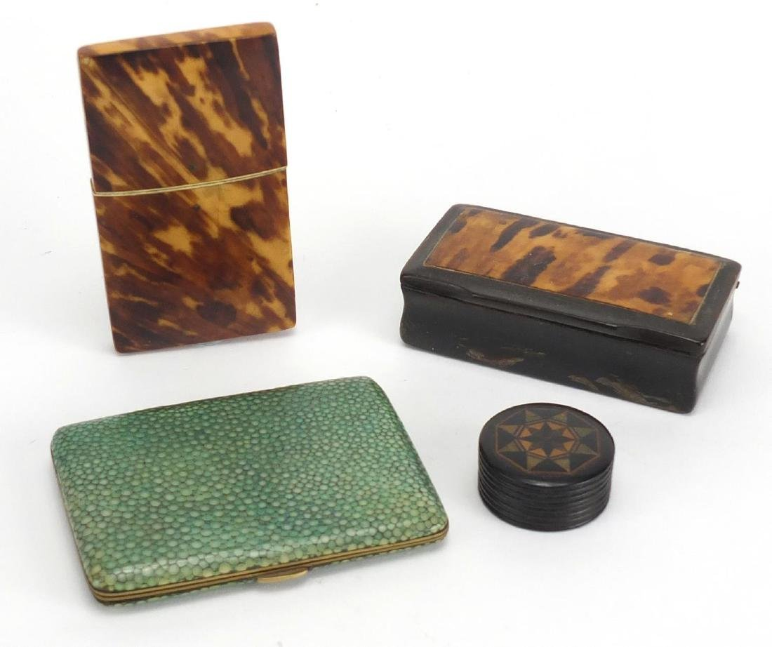 Antique objects comprising a blonde tortoiseshell card case, tortoiseshell and horn snuff box,