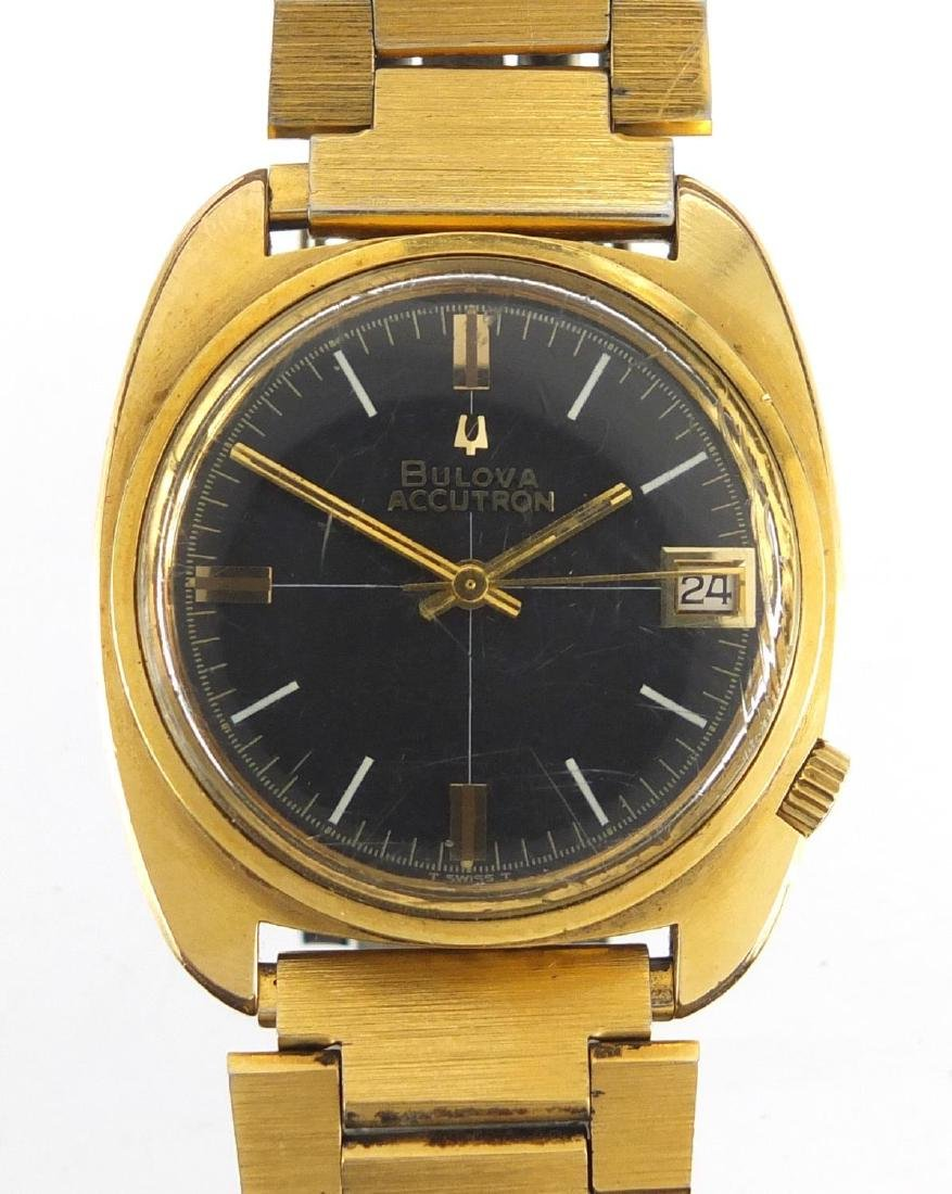 Vintage Gentleman's Bulova Accutron wristwatch with date dial, numbered 1-790532 to the case, 3cm in