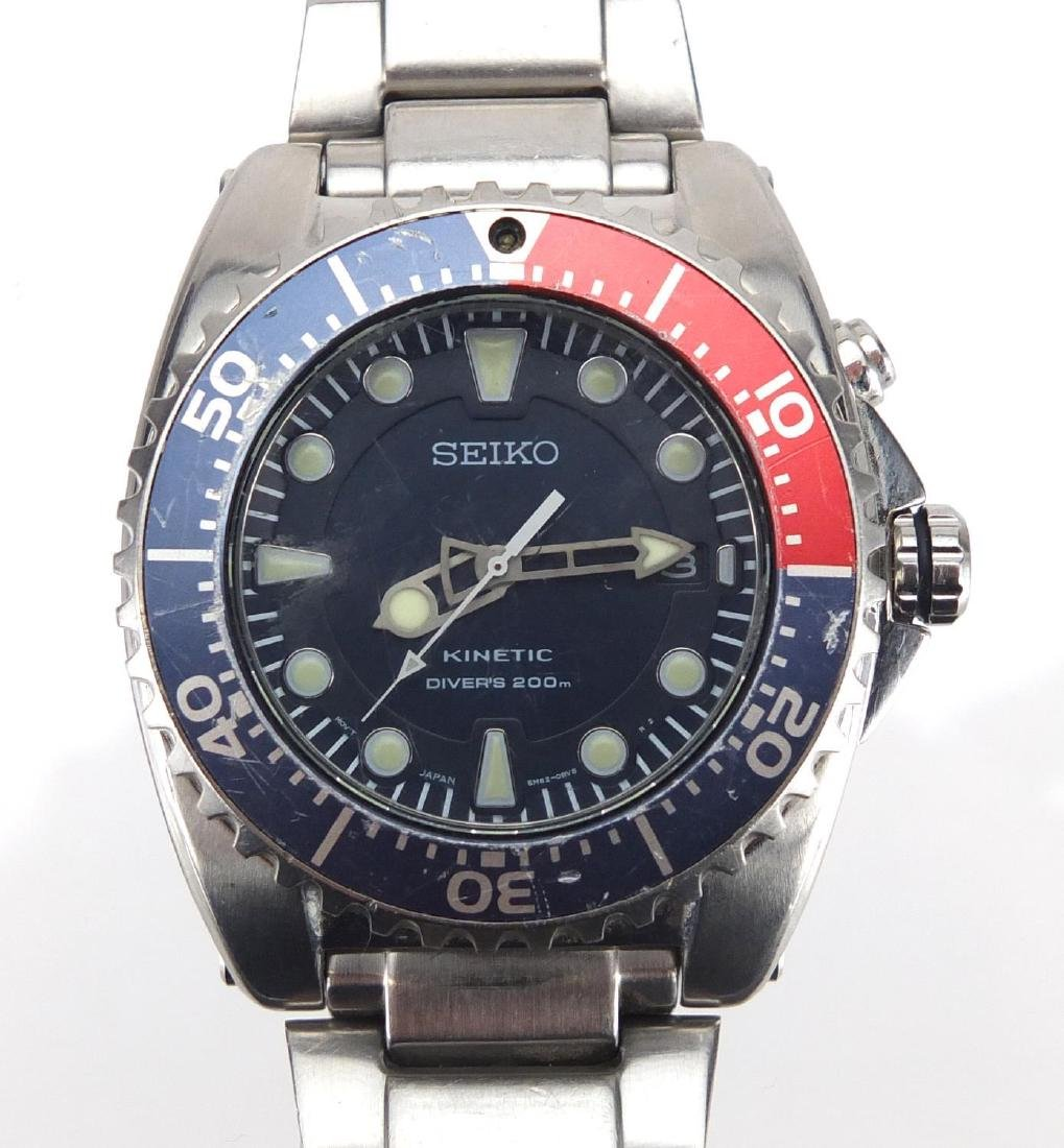 Gentlemen's Seiko kinetic divers wristwatch, 4cm in diameter Further condition reports can be