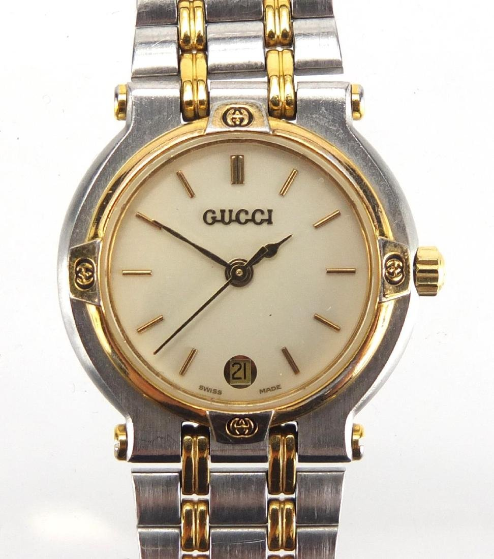 Ladies Gucci stainless steel wristwatch, numbered 900L 0090092 to the back Further condition reports