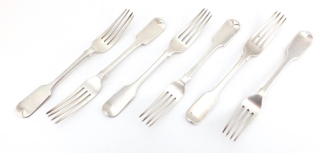 Matched set of six Georgian silver table forks, R.B London 1833 and R.L H.L C.L London 1834, 21cm in