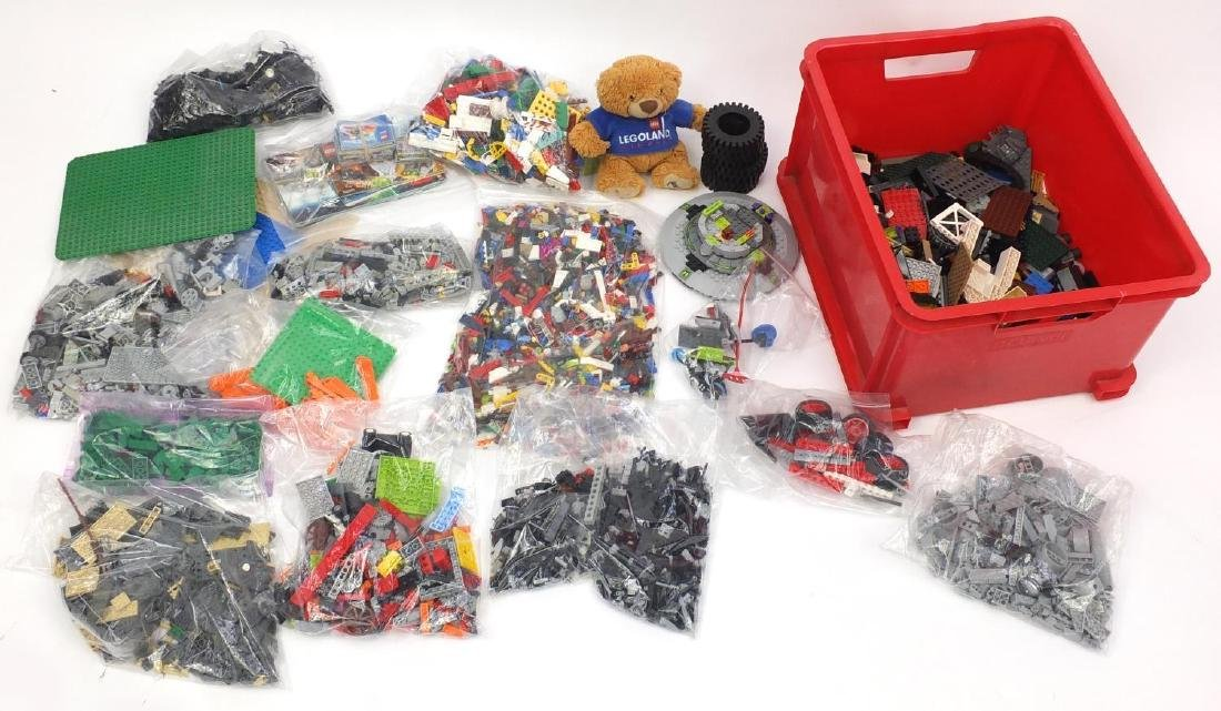 Collection of miscellaneous Lego and related accessories