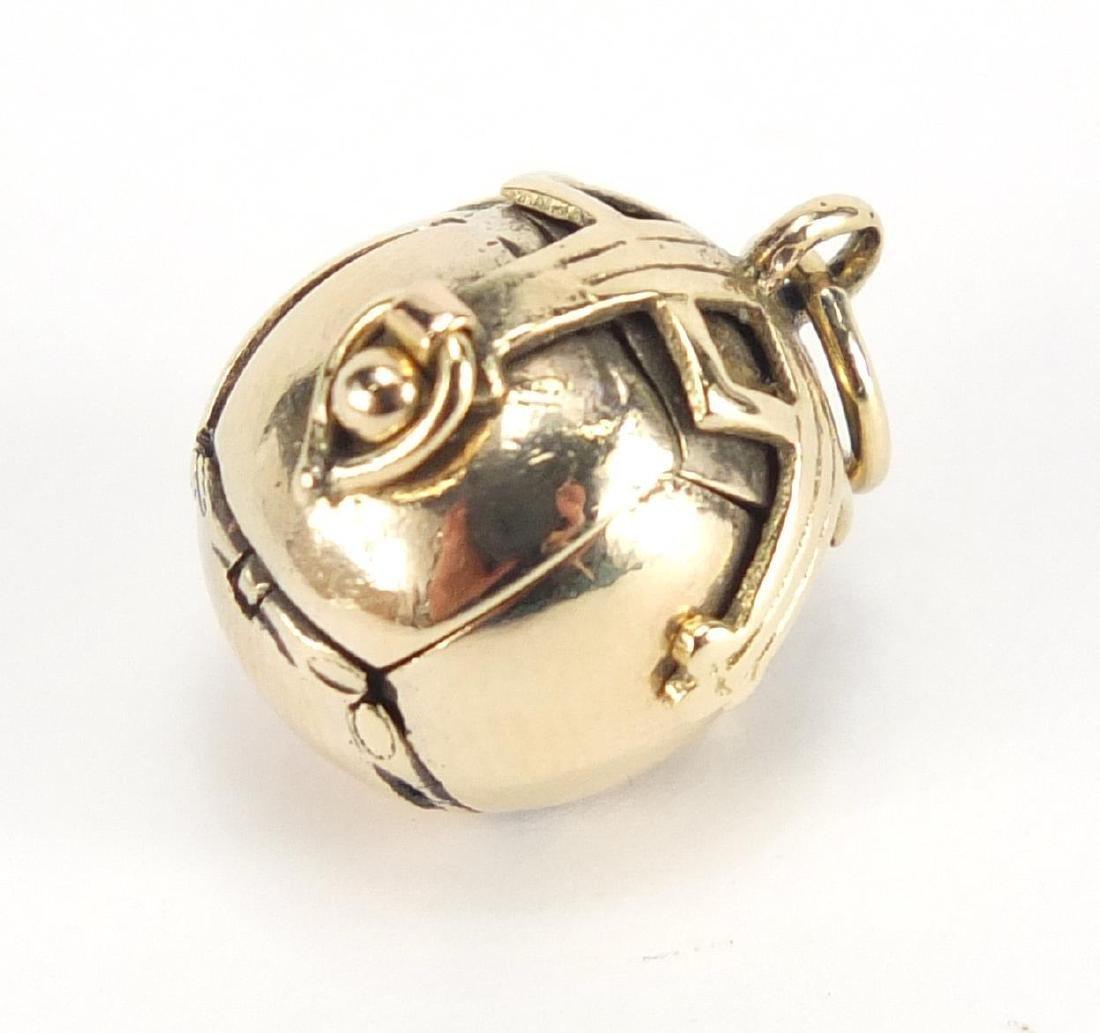 9ct gold cased masonic ball pendant