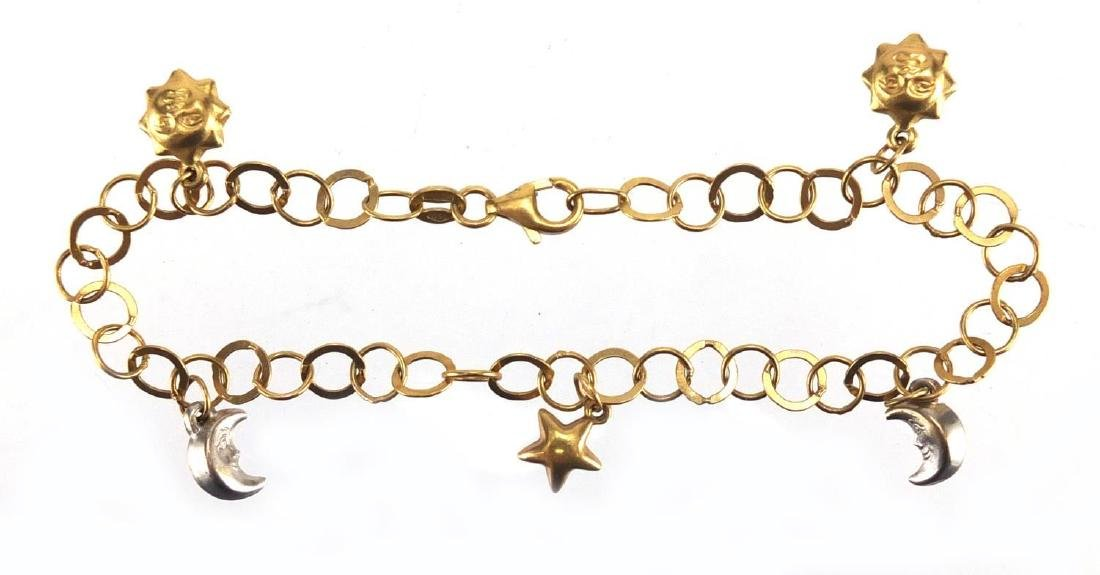 18ct gold bracelet with sun, moon and star charms, 20cm in length, approximate weight 5.5g