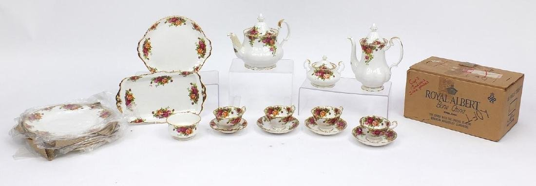 Royal Albert Old Country Roses diner and teaware including as new eighteen piece tea set and six