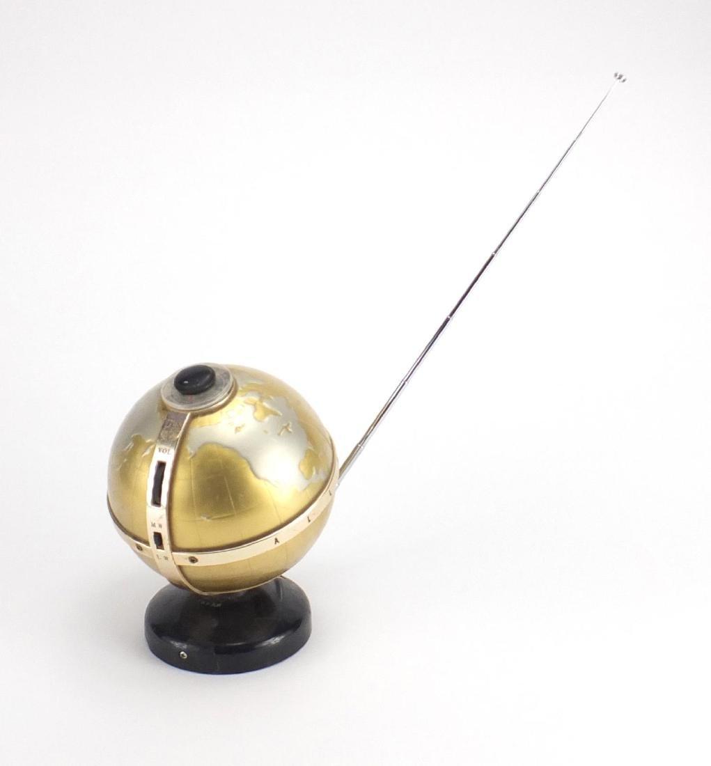 Vintage German Transistor Globe design radio, 21cm high