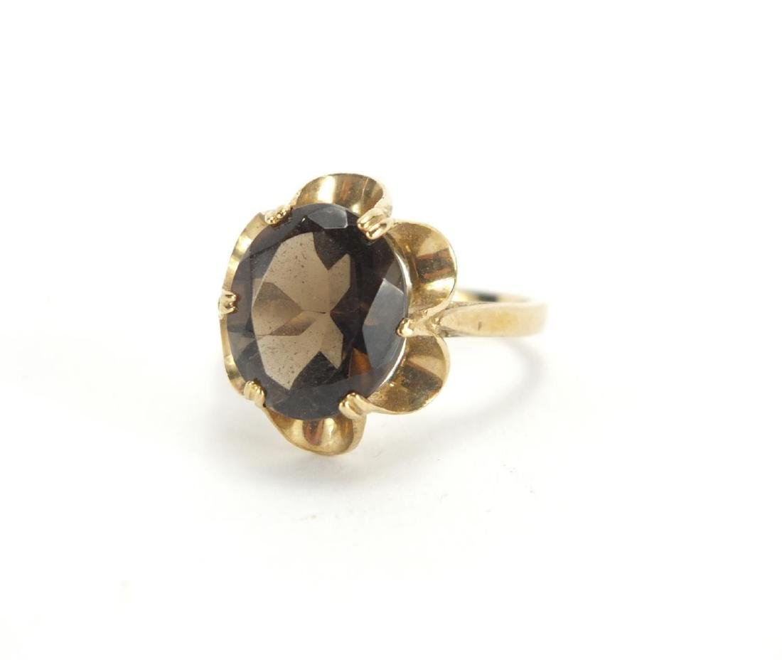 9ct gold smoky quartz ring, size N, approximate weight 3.5g