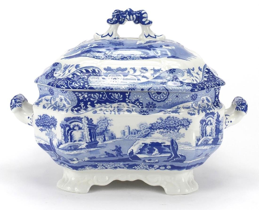 Copeland Spode Italian soup tureen with twin handles, 24cm high x 34cm wide